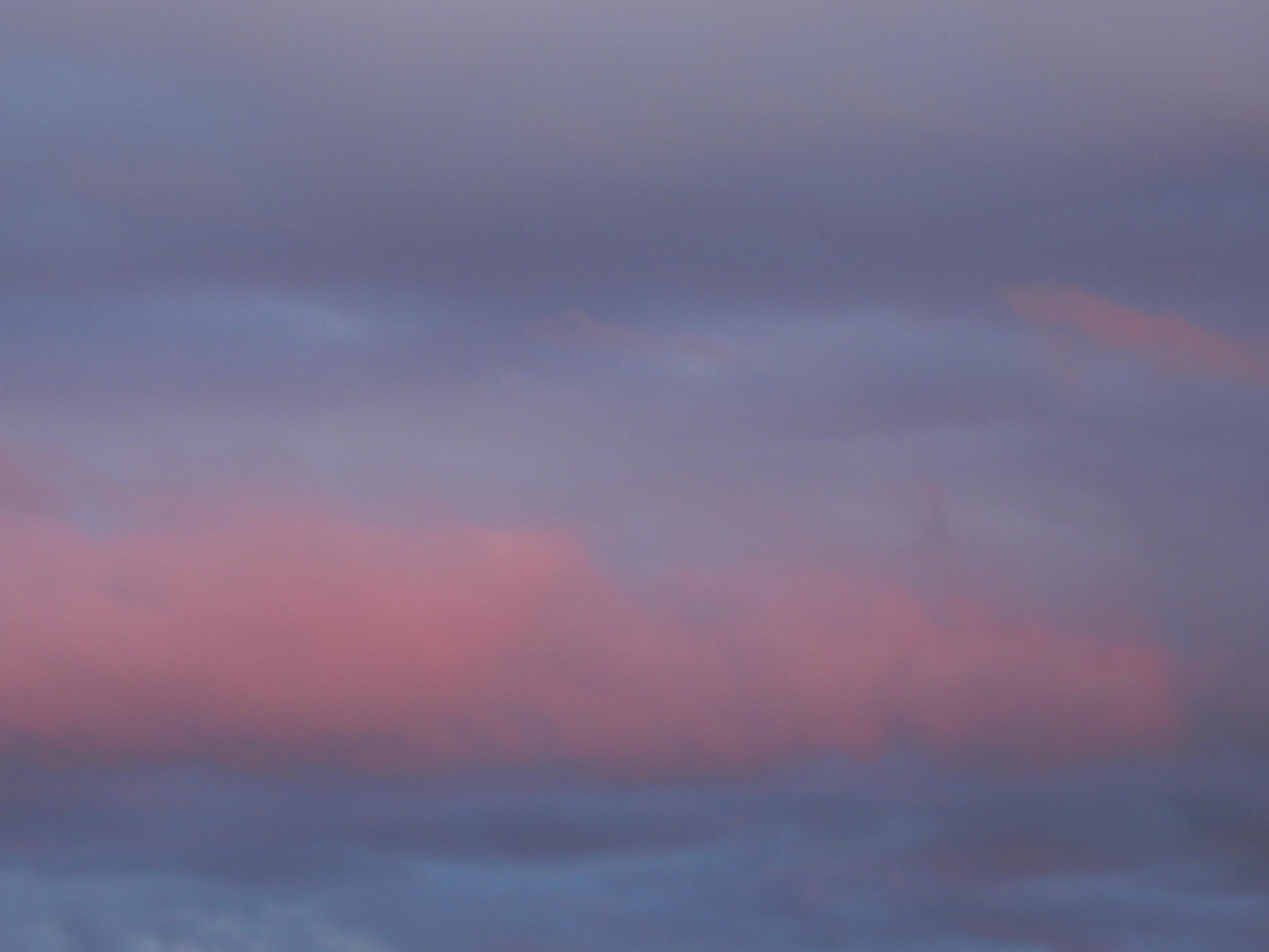 Coucher de soleil rose et mauve.